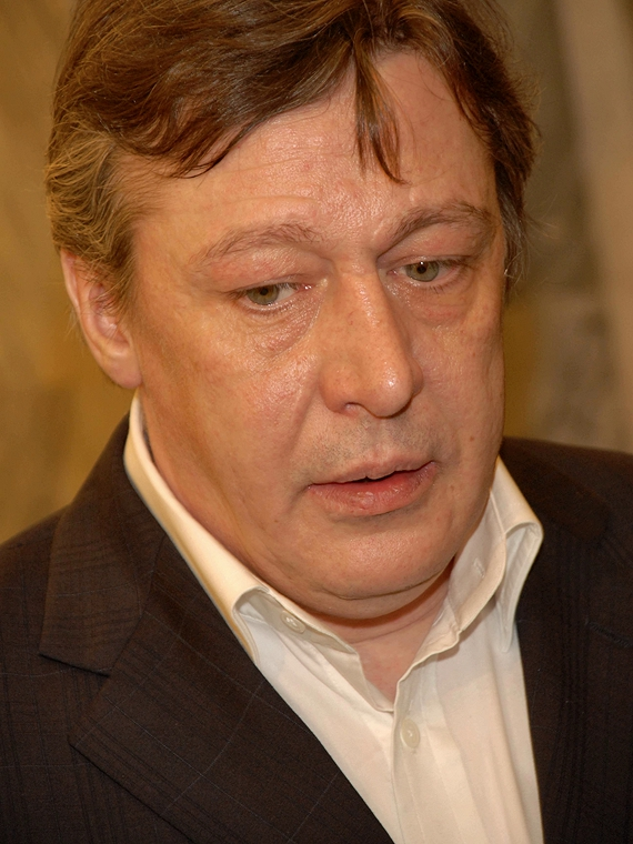 Salt: главное здесь, остальное по вкусу - Суд на полгода продлил домашний арест Михаила Ефремова