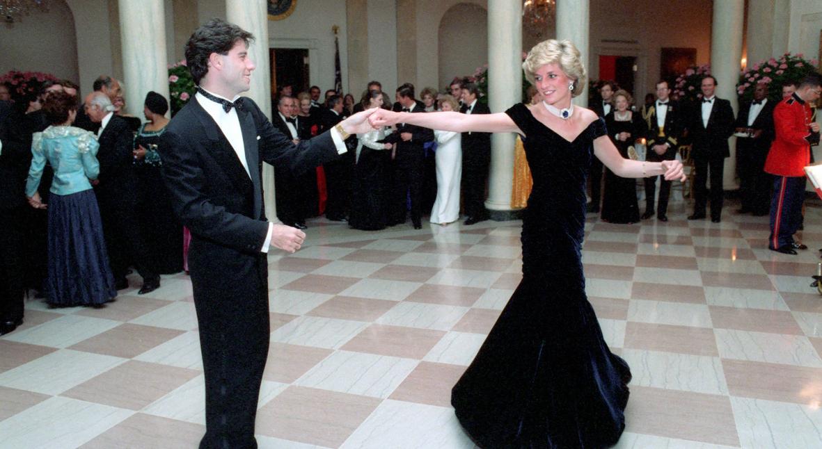Salt: главное здесь, остальное по вкусу - Платье, в котором принцесса Диана танцевала с Джоном Траволтой, выставят в Кенсингтонском дворце