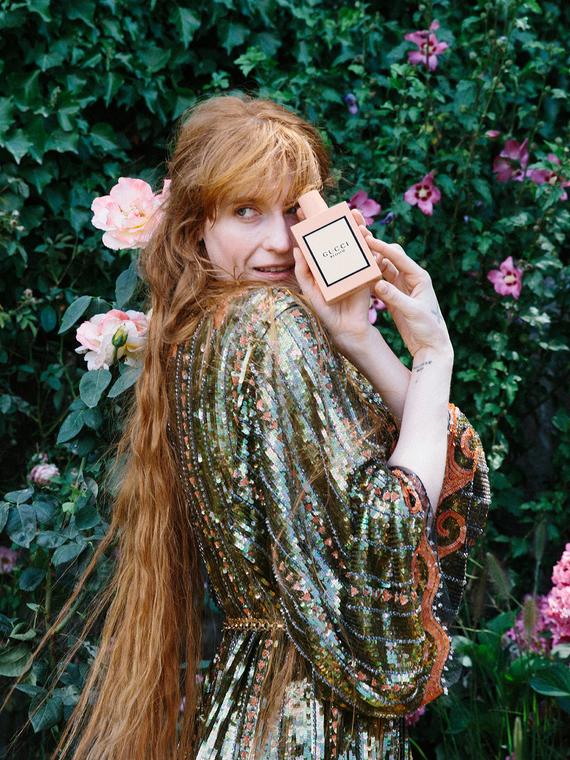 Salt: главное здесь, остальное по вкусу - Флоренс Уэлч и Анжелика Хьюстон снялись в новой кампании Gucci Bloom