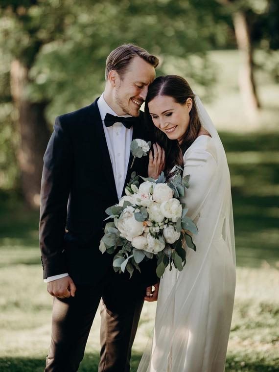 Salt: главное здесь, остальное по вкусу - Премьер-министр Финляндии Санна Марин вышла замуж
