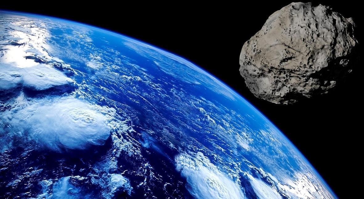 Salt: главное здесь, остальное по вкусу - Рядом с Землей пролетел астероид размером с футбольное поле