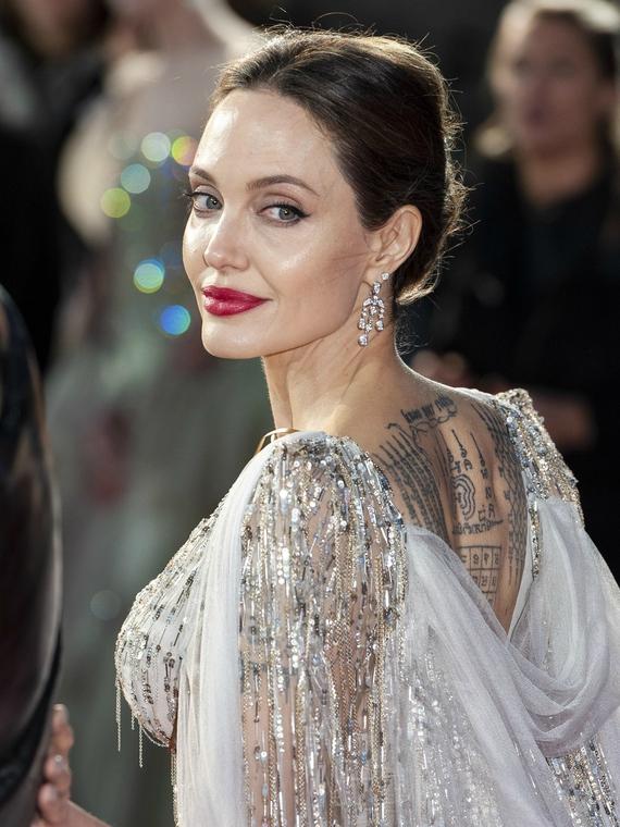 Salt: главное здесь, остальное по вкусу - Анджелина Джоли рассказала, что наслаждается домашним «хаосом» во время карантина