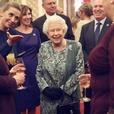 Елизавета II не планирует отрекаться от престола в 95 лет — официальный представитель